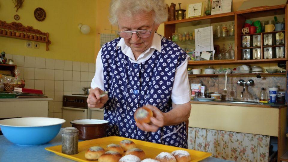Ludmila Vomlelová dokončuje mrkvance