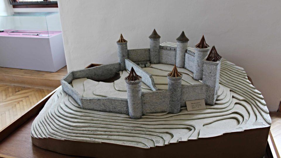Model hradu Úsov