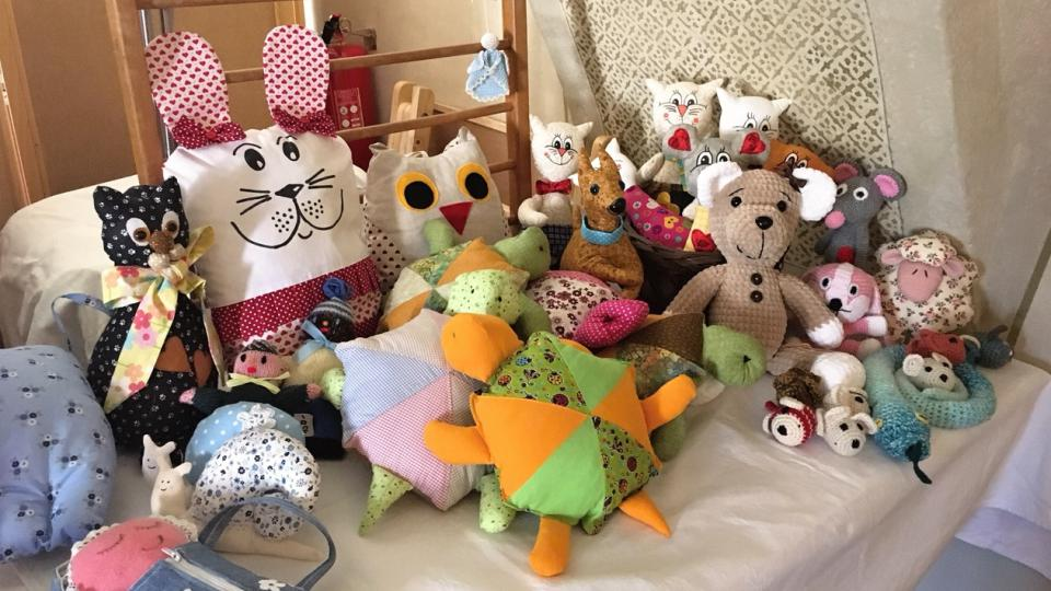 Hračky vyrobené mohelnickými seniorkami
