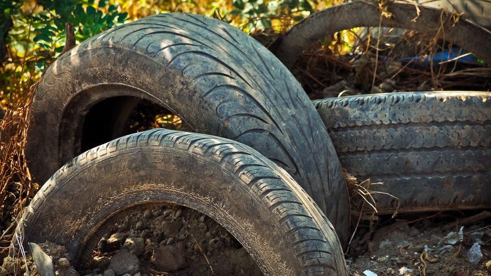 skládka, odpad, pneumatiky