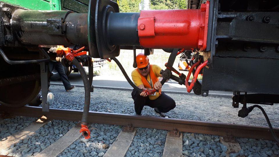 Vagón z Českých Budějovic doplnil parní lokomotivu