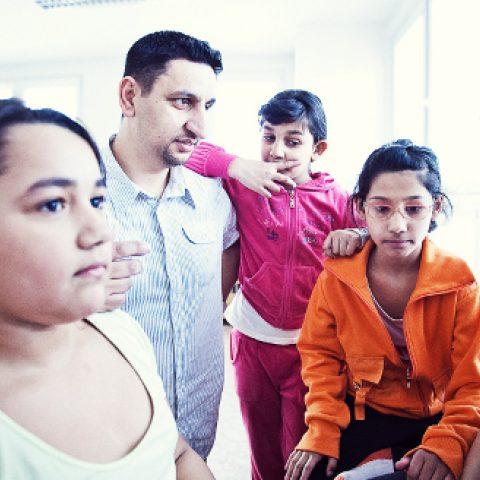 Robert Sutorý učí romské děti