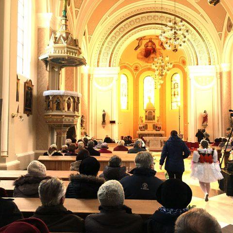 Nový oltář v Ostrožské Lhotě