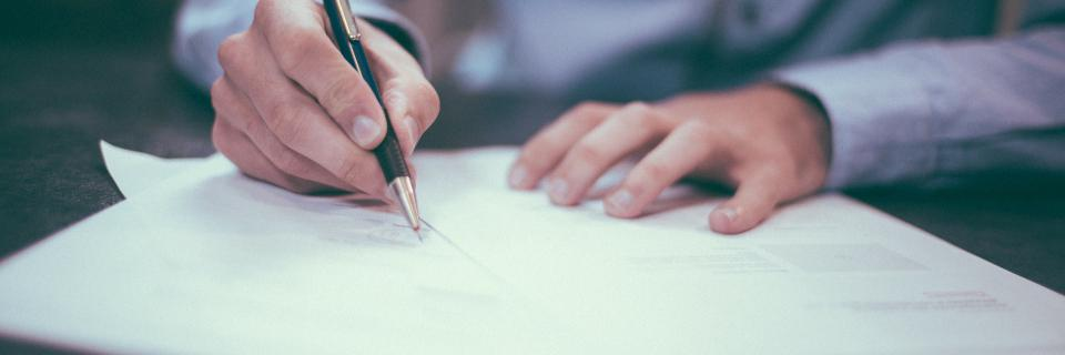 Podpis smlouvy, smlouva, registr smluv