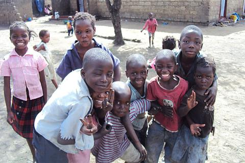 Děti z Chibolye na ulici