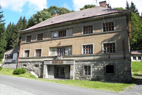 Velké Vrbno - chata Olšanka, která bývala celnicí