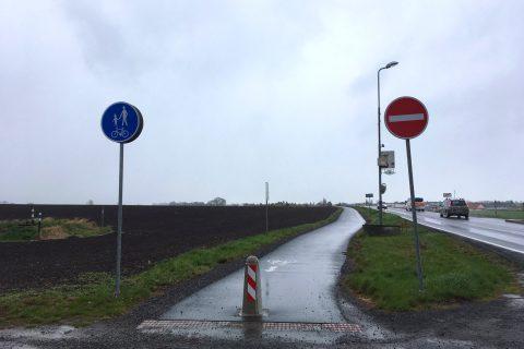 Jednosměrná cyklostezka Ústín