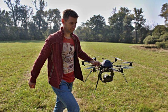Jakub Miřijovský s dronem v Litovelském Pomoraví